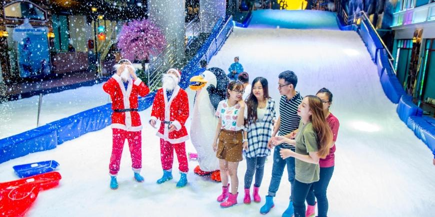 Giáng sinh này đến Snow Town có điều gì bất ngờ đang chờ gia đình bạn?